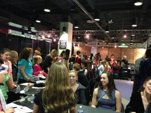 Another scene of the Meet & Greet session